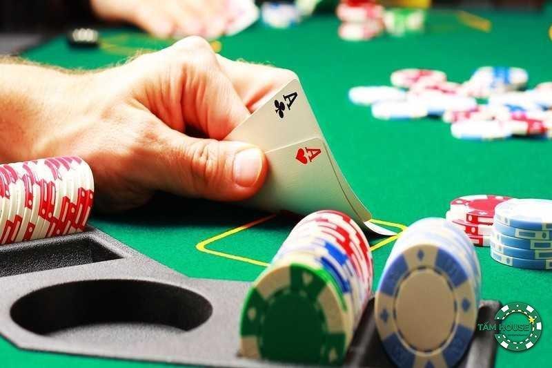 Người mới chơi Poker cần bắt đầu như thế nào?