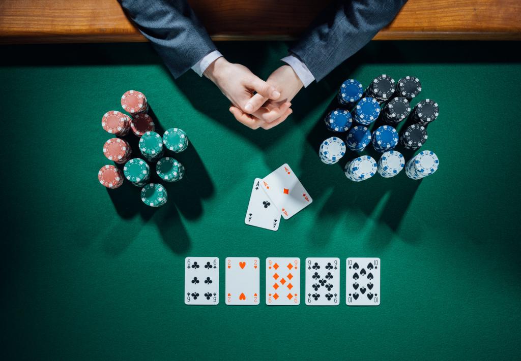 Kinh nghiệm khi chơi Poker online