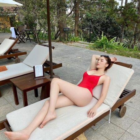 Hoa hậu Kỳ Duyên diện bikini hai mảnh khoe vóc dáng gợi cảm hậu giảm cân