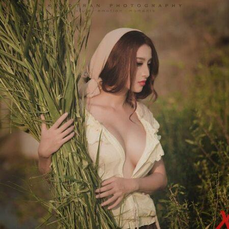 Bộ ảnh cô gái làng gốm Kim Lê thả rông ngực hút hồn