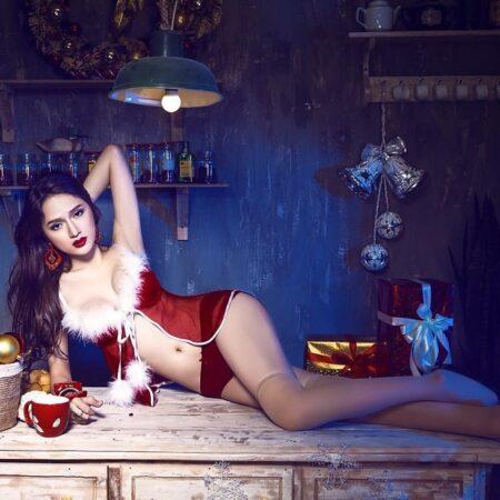 Hương Giang – Hoa hậu chuyển giới tái xuất với bikini đẹp xuất thần