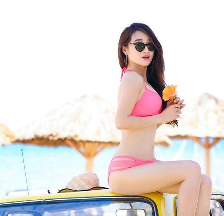 Nhã Phương diện bikini 2 mảnh body bốc lửa
