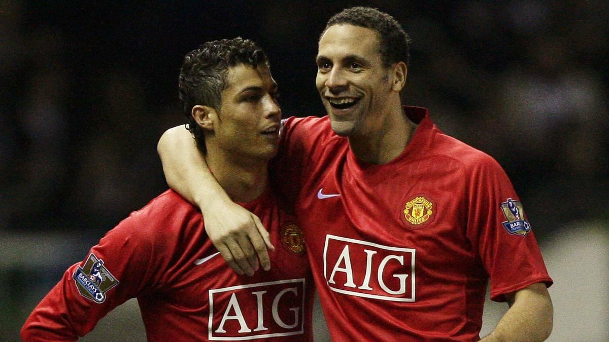 Ferdinand (phải) giàu danh hiệu nhất trong các trung vệ Ngoại hạng Anh. Ảnh: Reuters.